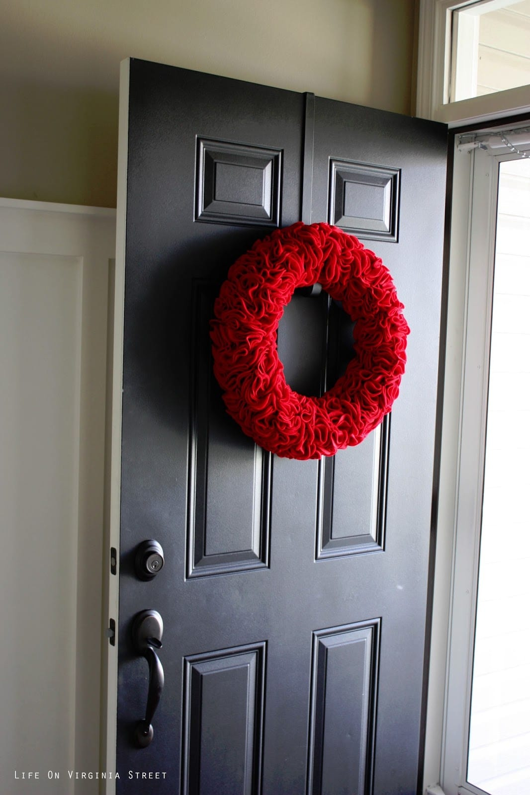Diy red felt ruffle wreath life on virginia street red felt ruffle wreath rubansaba