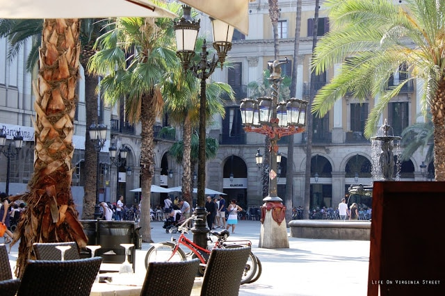 Placa de Reial in Barcelona, Spain