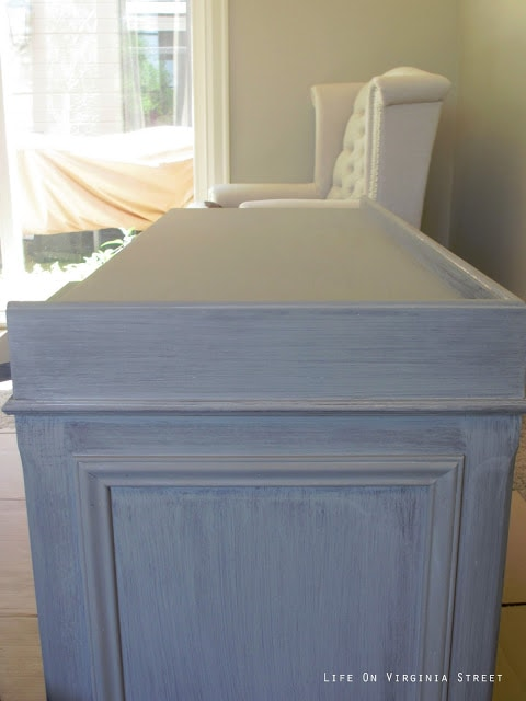 Annie Sloan Chalk Paint - One coat of French Linen