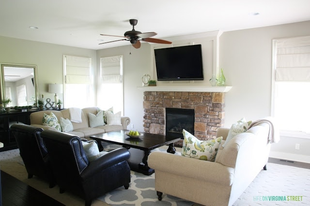 Living room with Behr Castle Path Walls