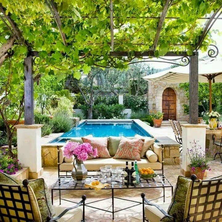 Love the pergola in this photos, as well as the private feeling.