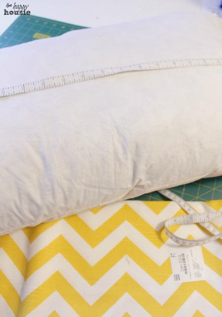 DIY Envelope Lumbar Pillow tutorial measure your pillow at the happy housie