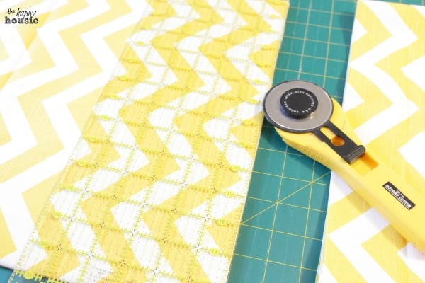 DIY Envelope Lumbar Pillows cut fabric to size at the happy housie
