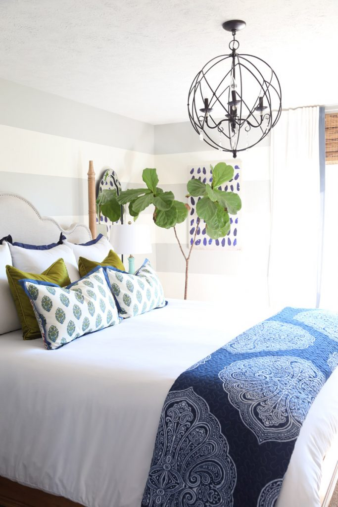 blue-and-green-paisley-guest-bedroom-with-fall-accents
