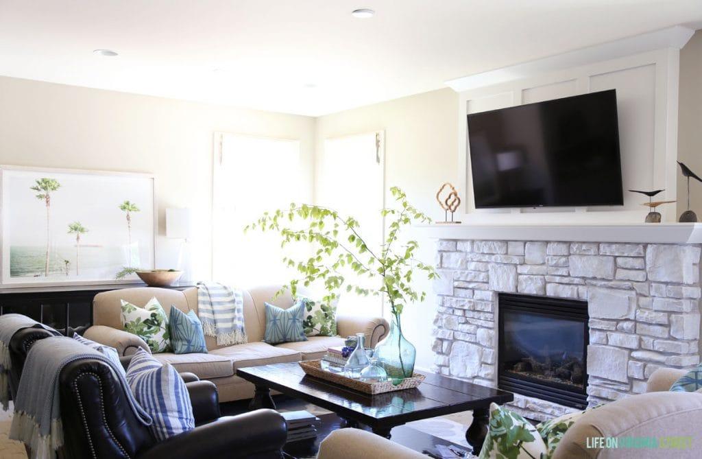 blue-and-green-summer-living-room-via-life-on-virginia-street