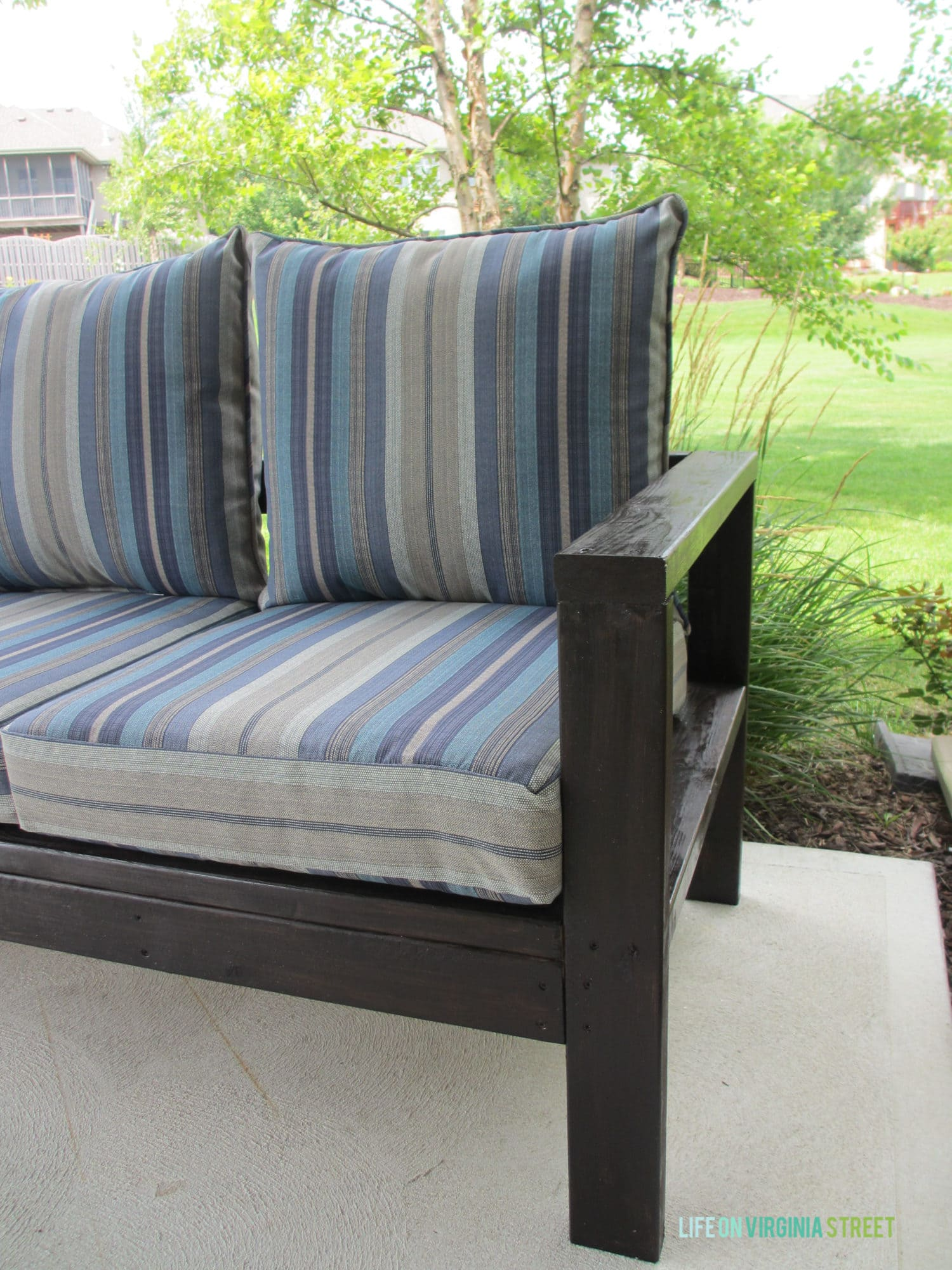 Diy outdoor sofa - Diy Outdoor Couch Final