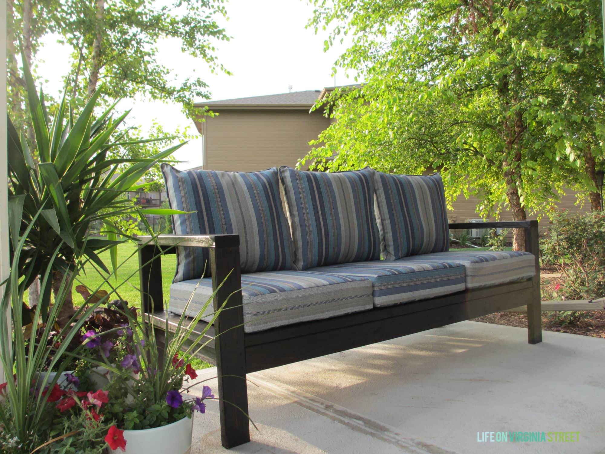How to build a diy outdoor couch life on virginia street for Patio furniture designs plans