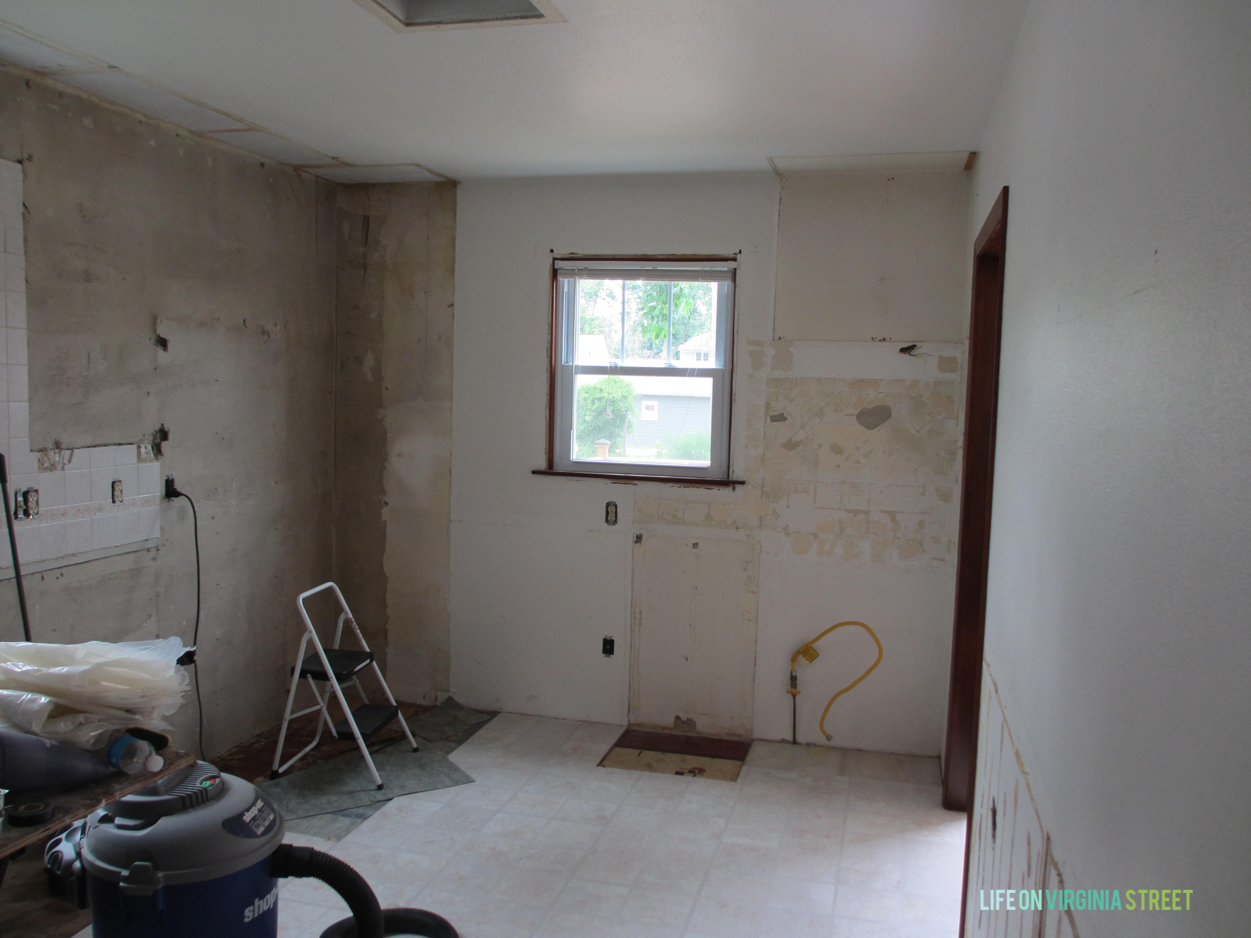 iowa kitchen no cabinets