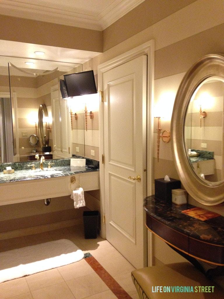 venetian bathroom 2