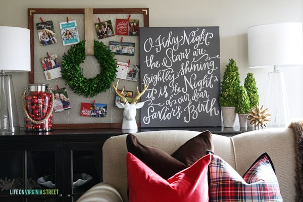 DIY Christmas Card Holder in Living Room.