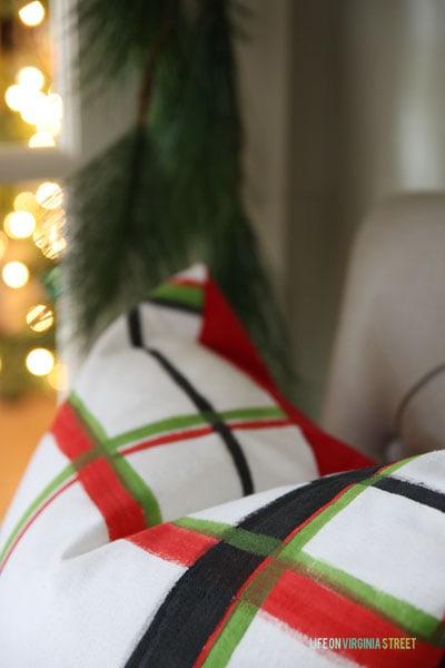 Brushstroke Pillow Details