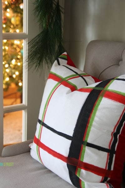 Brushstroke Plaid Pillows and Other Last Minute Christmas Projects