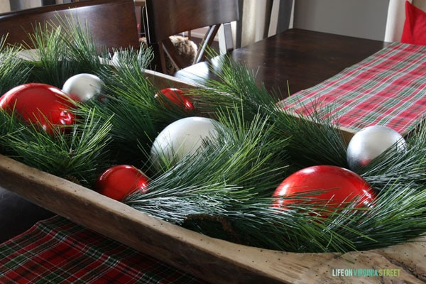 Christmas 2014 Home Tour - Life On Virginia Street - Dining Room Centerpiece