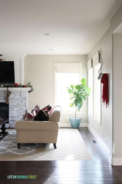 Christmas 2014 Home Tour - Life On Virginia Street - Entryway to Living Room