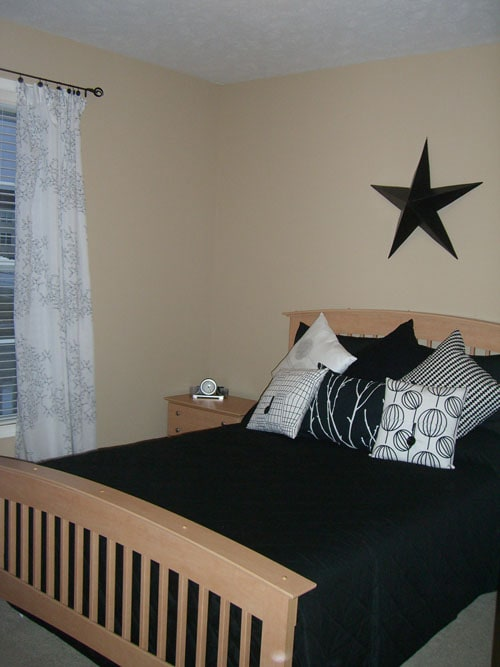 Guest Room Before - Life On Virginia Street