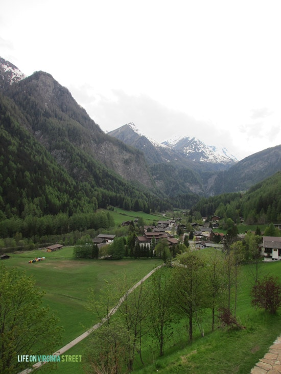 Such a cute village with the stunning  Heiligenblut am Großglockner views.