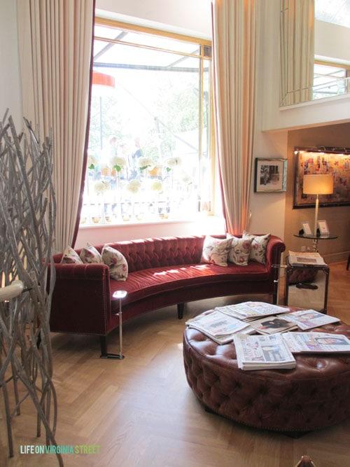 London - The Anthenaeum lobby - Life On Virginia Street