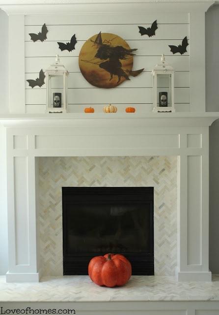 Halloween Mantle via Love of Homes