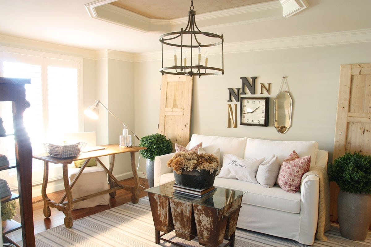 Neutral home decor a beautiful example life on for Neutral front room ideas