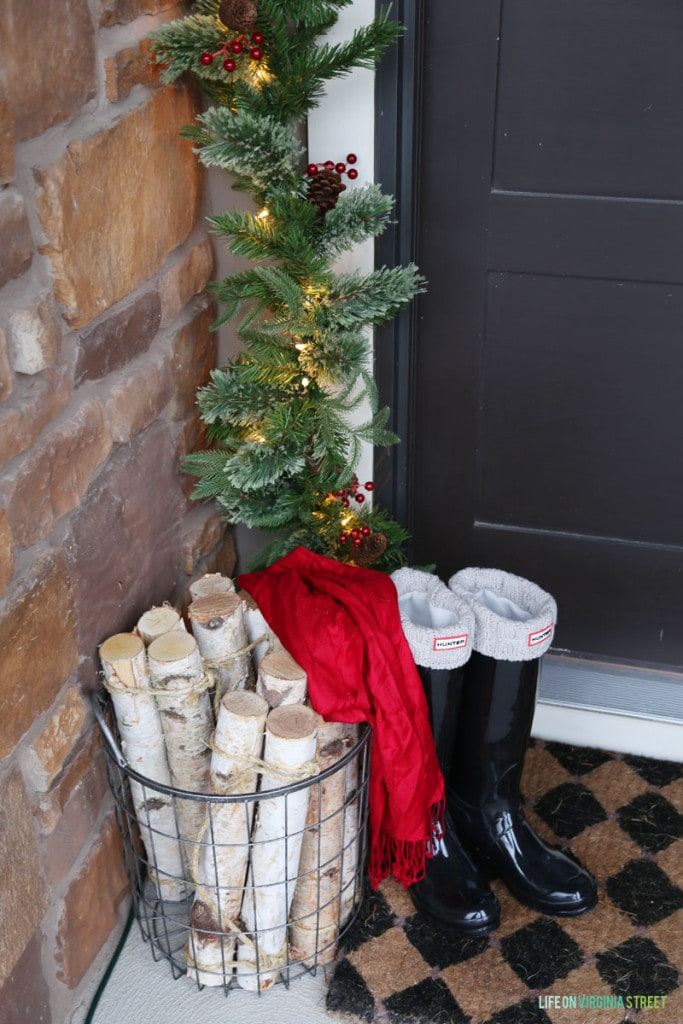 Christmas Front Porch Details - Life On Virginia Street