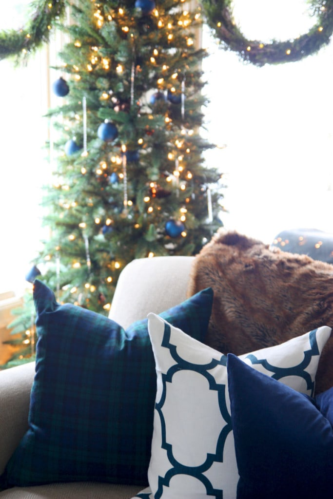Christmas Living Room Pillows - Life On Virginia Street