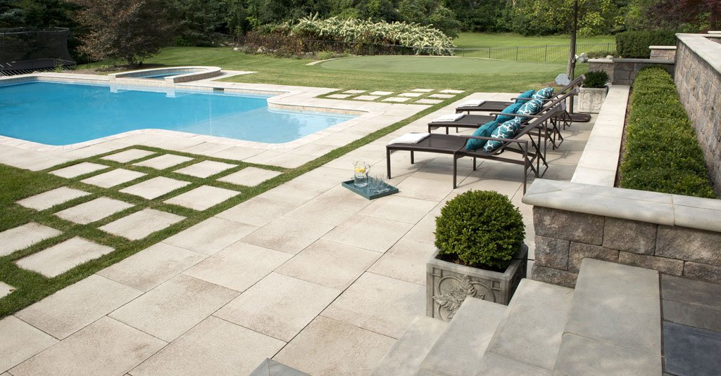 A pool backyard update concrete design ideas life on for Pool design pattern