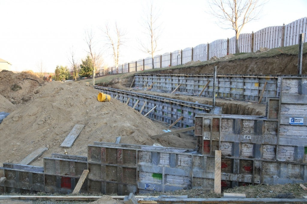 Retaining Wall Forms Side View 03-10-16