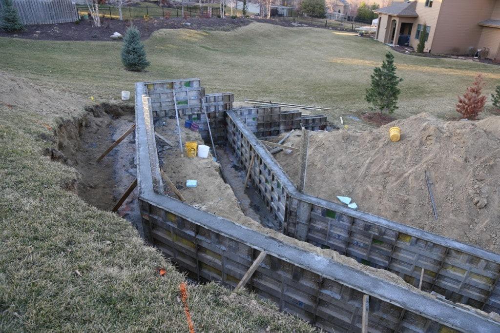 Retaining Wall Gaps 03-10-16