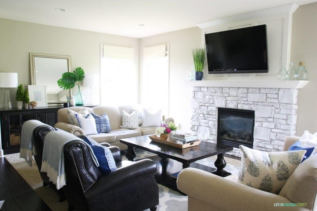 Summer Living Room - Life On Virginia Street