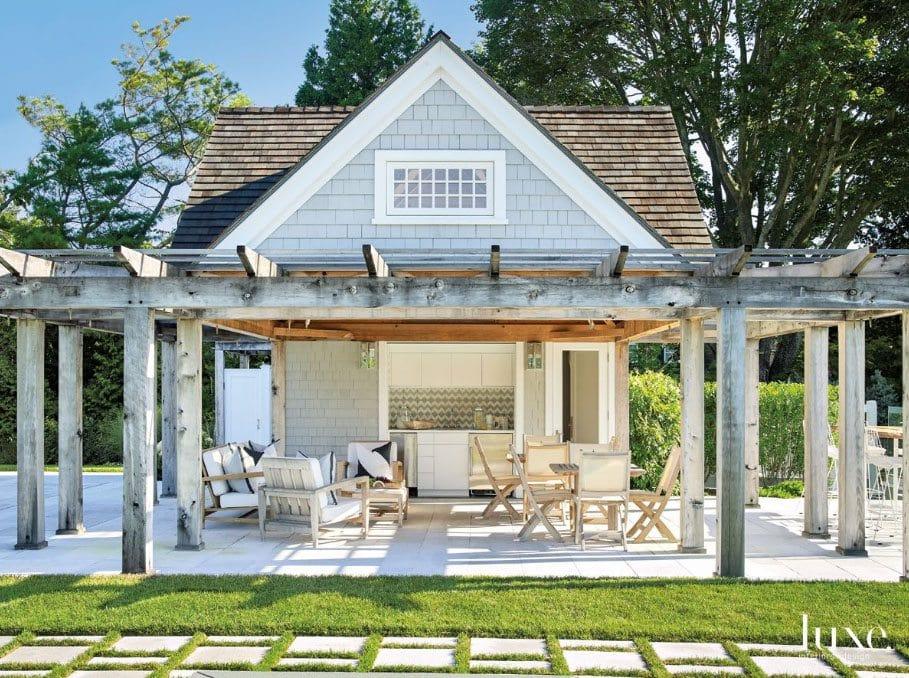 A Modern Southampton Home Outdoor Space via Luxe Magazine