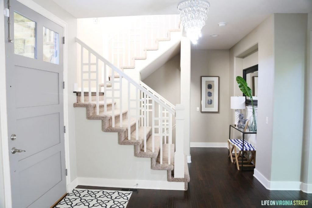 Neutral Summery Entryway via Life On Virginia Street