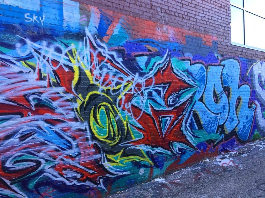 Grafiti Walls in the Crossroads District