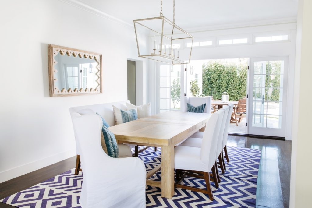 Coastal Dining Room via Style Me Pretty designed by Rita Chan Interiors