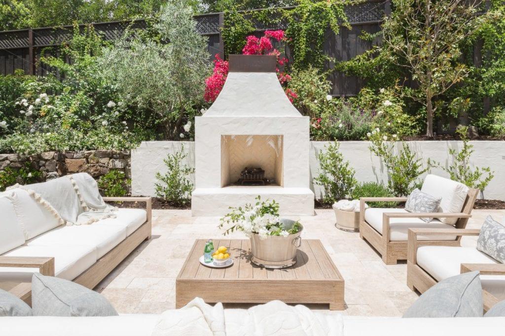 Outdoor Space via Style Me Pretty - Designed by Amanda Barnes Interior Design - Photo by Alyssa Rosenheck