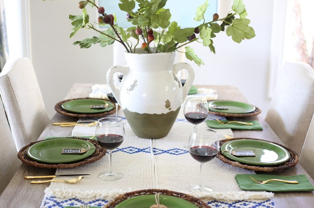 blue-green-and-neutral-thanksgiving-tablescape