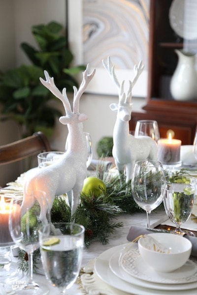 chic-christmas-centerpiece-idea-teaser-setting-for-four
