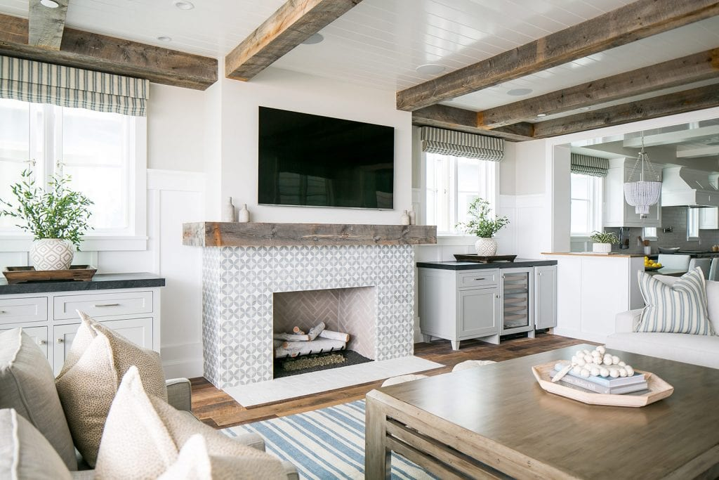 Love this gorgeous home tour from Southern California. Definitely one of this week's favorites.