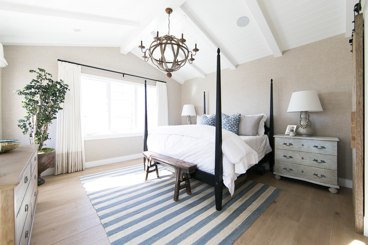 Blue, white and neutral beachy bedroom via Kelly Nutt Design