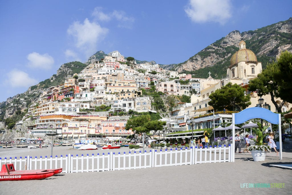A picture of the buildings in Positano.