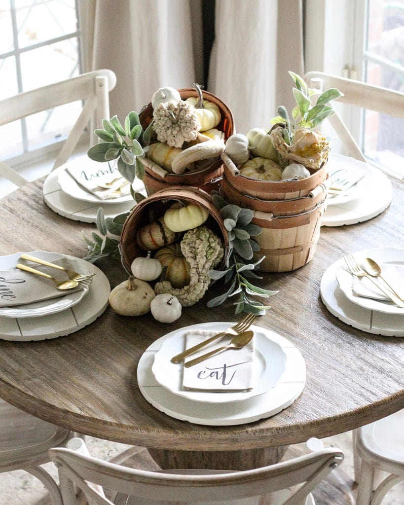 Rustic and natural thanksgiving table setting from Cotton Stem.
