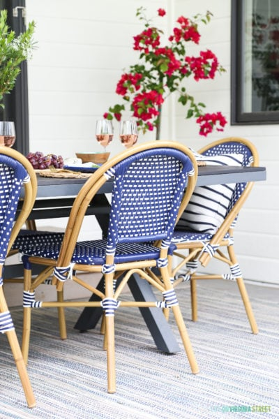 How To Create a Dreamy Outdoor Dining Space