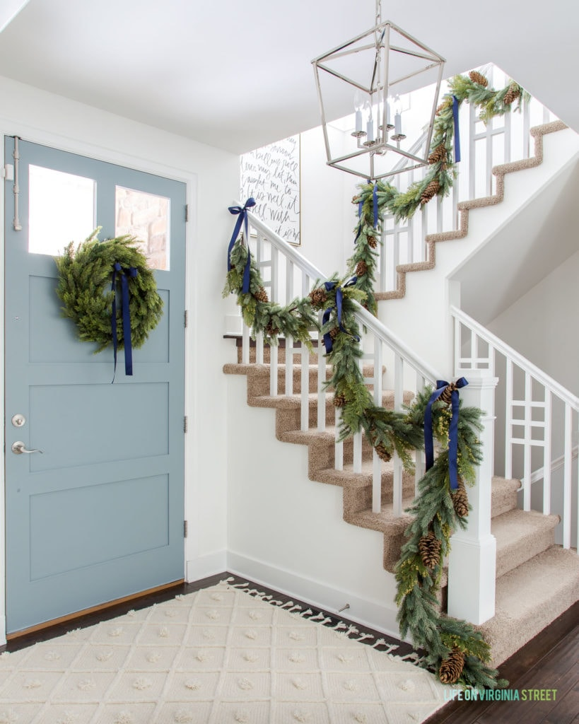 2019 Christmas Home Tour using neutral, greens, and navy blue to decorate with a coastal spin for the holidays.