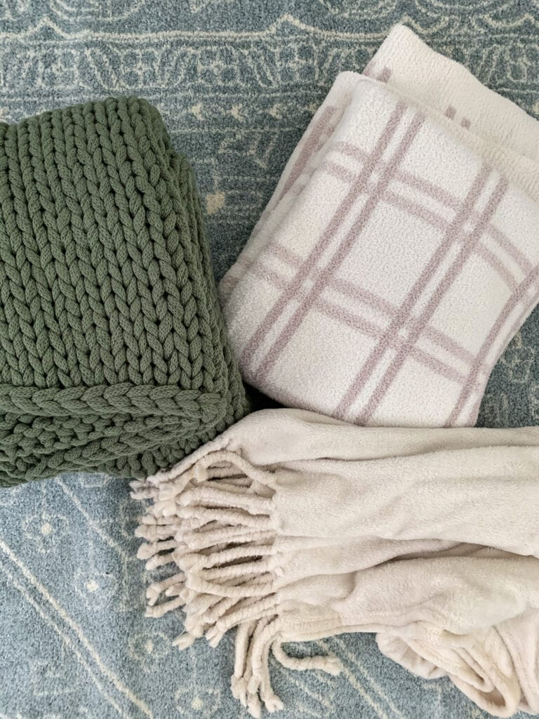 2020 Nordstrom Anniversary Sale picks for home decor, women's fashion, beauty, and more! I love this chunky knit throw blanket, Barefoot Dreams plaid throw, and plush tassel throw blanket for fall and winter!
