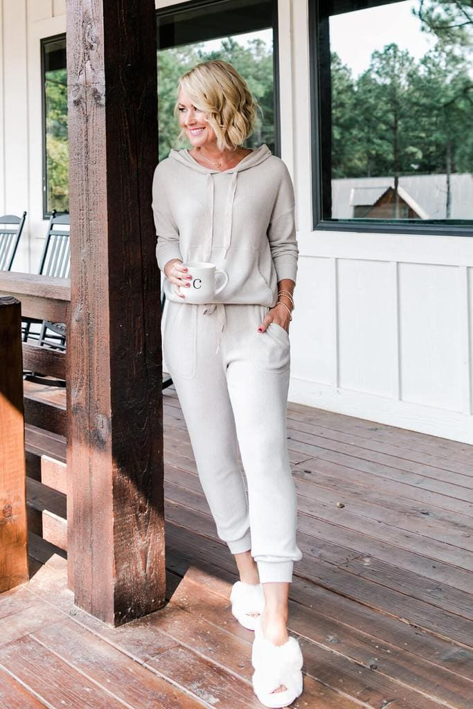 The cozy side of the Gibsonlook x Hi Sugarplum holiday collection! Love these ribbed joggers and hoodie that are available.