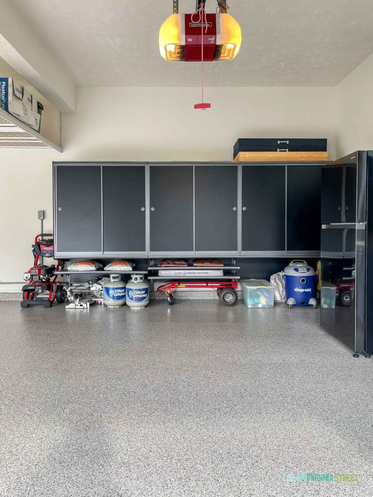 Heavy-duty garage storage cabinets and shelves from Hello Garage to help keep the garage organized!